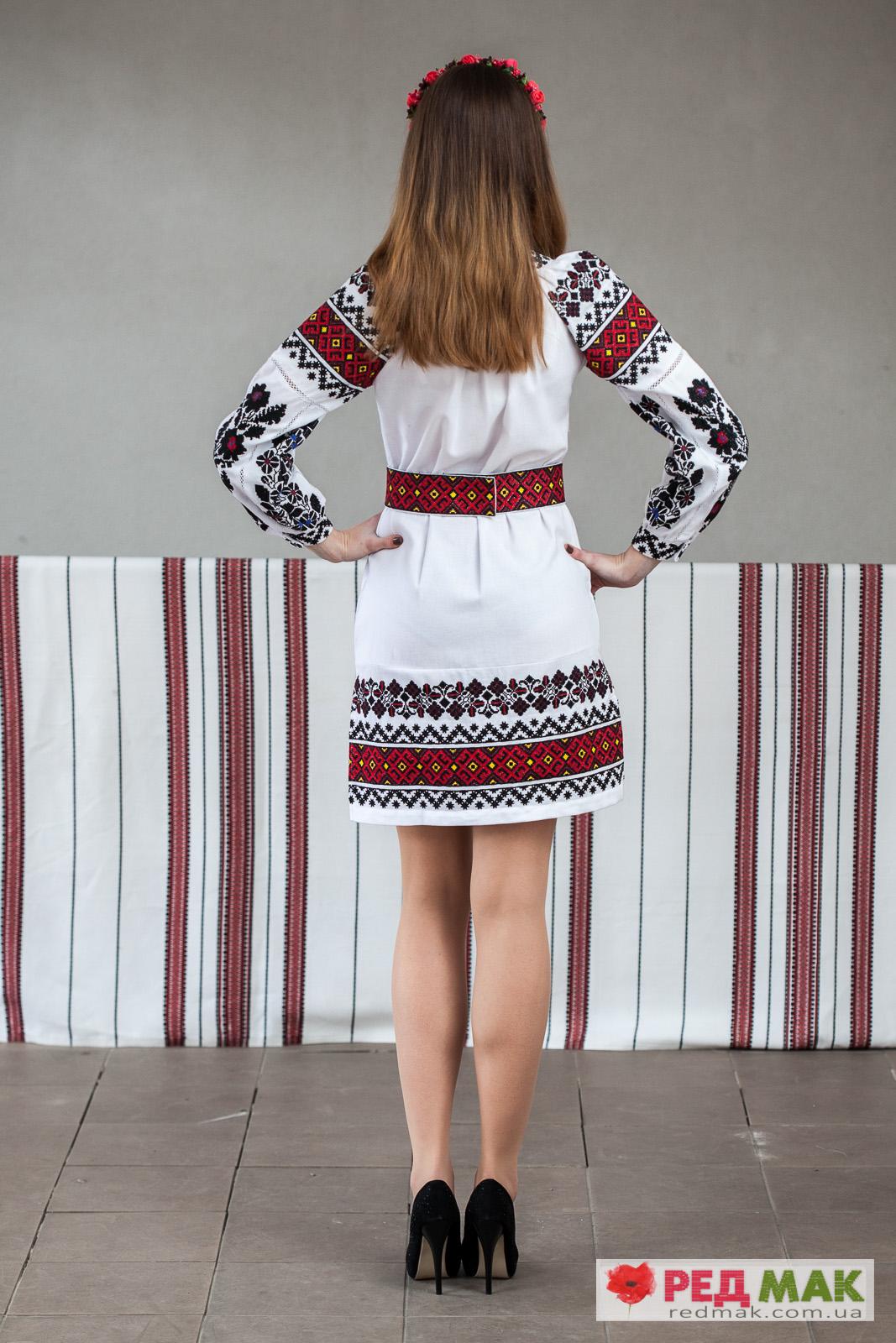 Біла сукня з домотканого полотна з вишивкою у традиційному борщівському  стилі