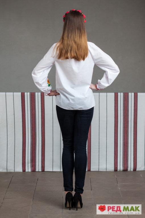 """Біла підліткова сорочка з різнокольоровими квітами """"Веснянка"""""""
