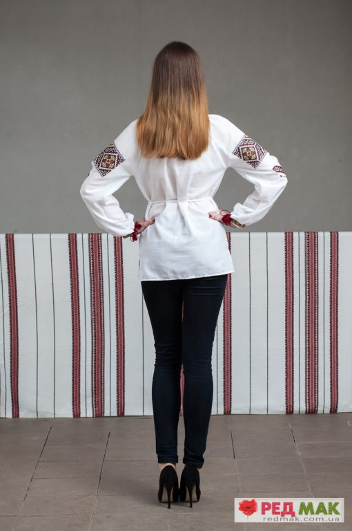 """Біла сорочка з кольоровим орнаментом """"Оксана"""""""